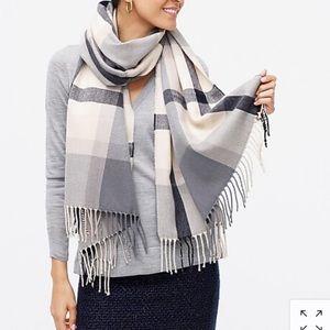 🆕 J.Crew classic plaid scarf